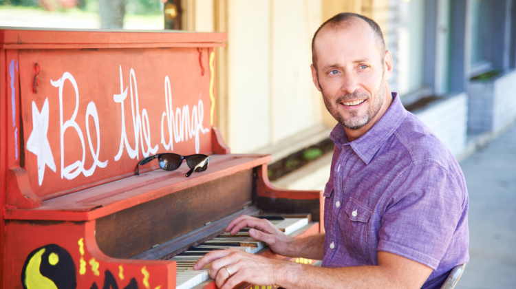 Ep#212 Paul Thorn writes some feel-good anthems