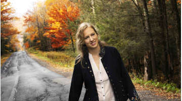 Ana Egge rocks out with The Sentimentals (Ep310)