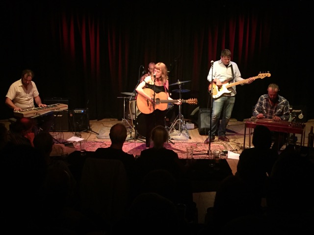 Amanda Anne Platt & The Honeycutters @ Leeds