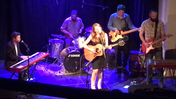 Amanda Anne Platt & The Honeycutters @ Selby Town Hall